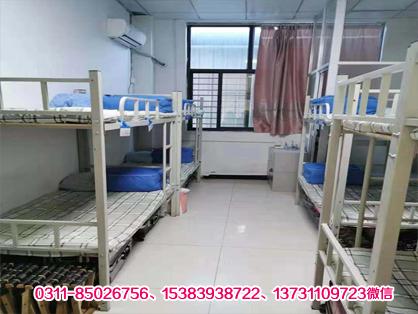 石家庄白求恩医学院宿舍图片和人数安排